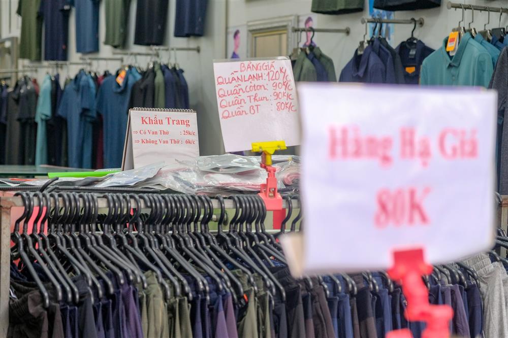 Những con phố thời trang ở Hà Nội: Ngày ế ẩm, tối tắt đèn đi ngủ sớm-6