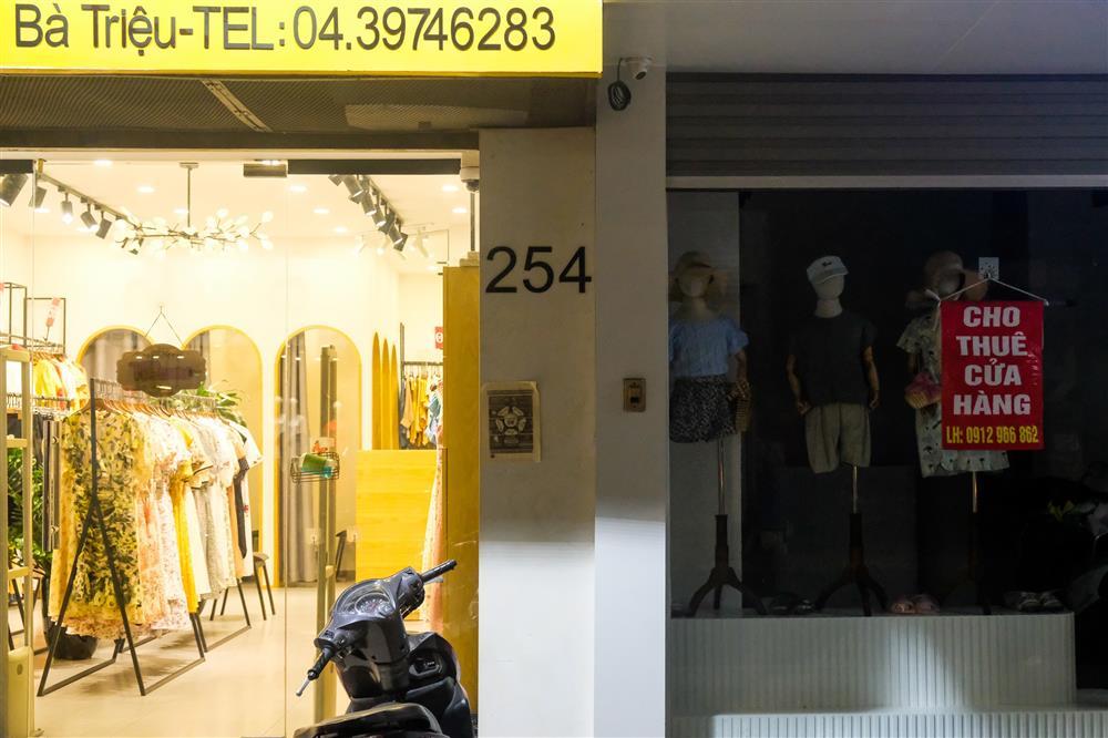 Những con phố thời trang ở Hà Nội: Ngày ế ẩm, tối tắt đèn đi ngủ sớm-7