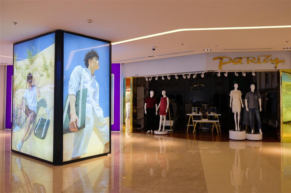 Những con phố thời trang ở Hà Nội: Ngày ế ẩm, tối tắt đèn đi ngủ sớm-13