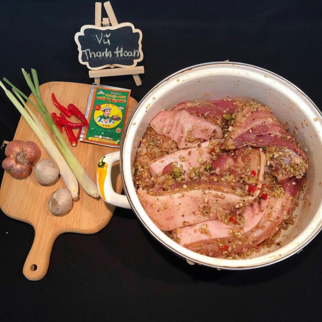 Nắng nóng đặc biệt gay gắt thì đem thịt ra phơi, làm 1 ngày có món ngon ăn cả năm không chán-2
