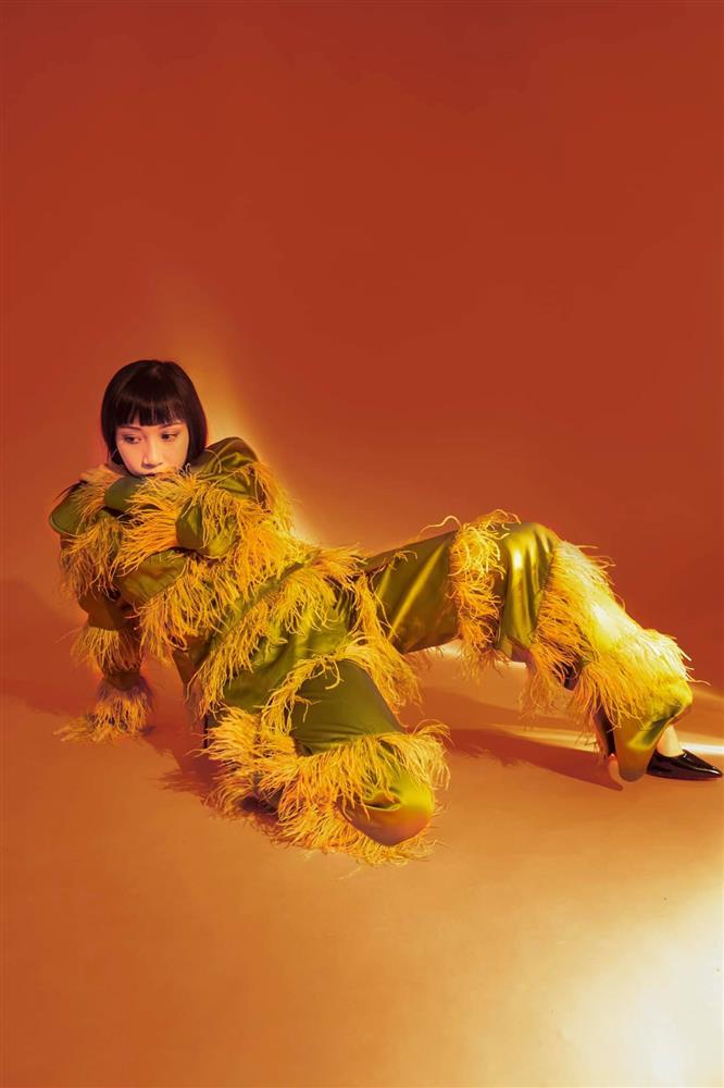 Con gái Mỹ Linh tiếp tục thả rông sau màn khoe vòng 3 táo bạo, soi style thường ngày lại càng bất ngờ hơn nữa-6