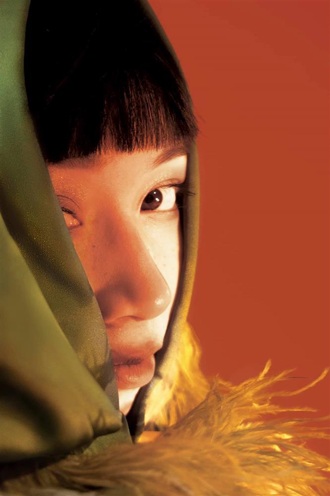Con gái Mỹ Linh tiếp tục thả rông sau màn khoe vòng 3 táo bạo, soi style thường ngày lại càng bất ngờ hơn nữa-8