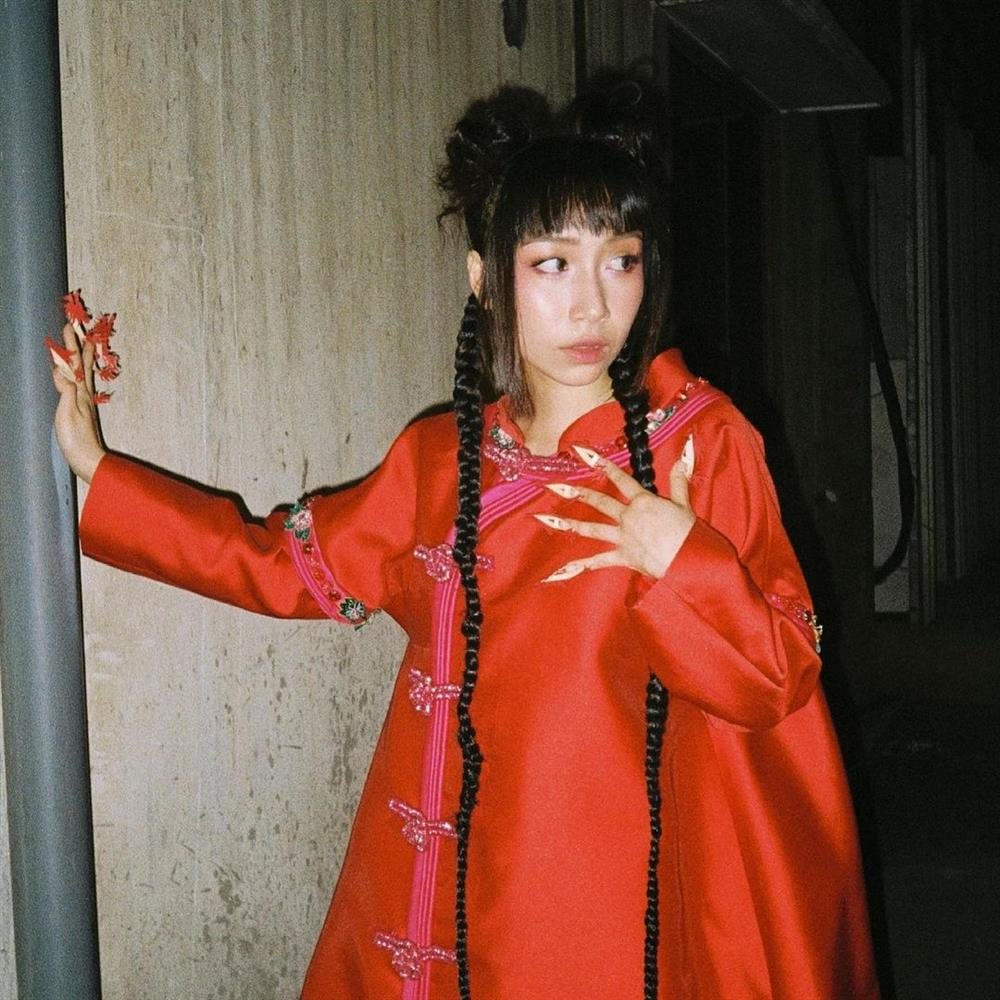 Con gái Mỹ Linh tiếp tục thả rông sau màn khoe vòng 3 táo bạo, soi style thường ngày lại càng bất ngờ hơn nữa-15