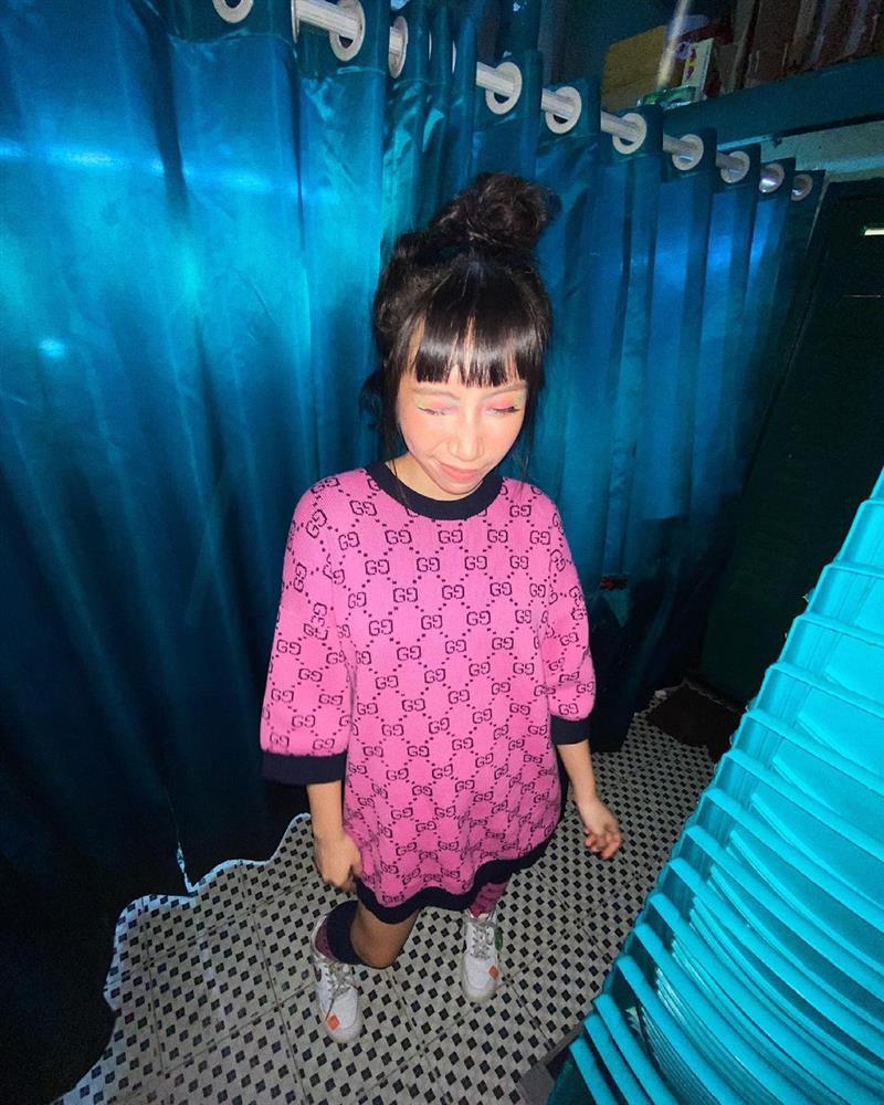 Con gái Mỹ Linh tiếp tục thả rông sau màn khoe vòng 3 táo bạo, soi style thường ngày lại càng bất ngờ hơn nữa-9
