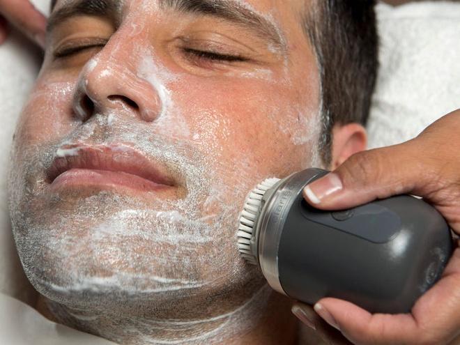 6 sai lầm khi rửa mặt khiến da bạn xấu đi mỗi ngày-4