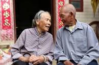 Cặp vợ chồng 82 tuổi vẫn vô cùng khỏe mạnh, minh mẫn: Bí quyết của họ đến từ việc ăn ít cơm, nhưng tăng cường 3 món siêu đơn giản