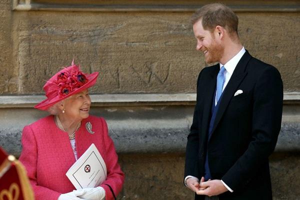 Động thái mới của Nữ hoàng Anh sau khi con gái nhà Harry - Meghan chào đời cho thấy ngay đẳng cấp của bà-1