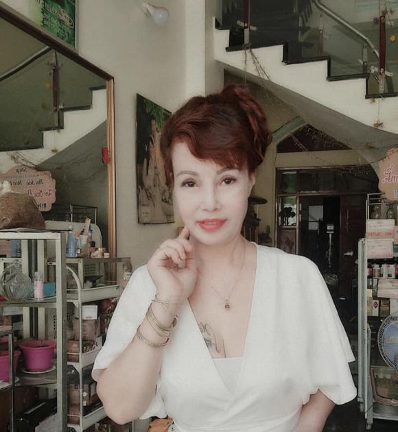 Cuộc sống của Cô dâu 62 tuổi Thu Sao và chồng trẻ Hoa Cương giờ ra sao?-2