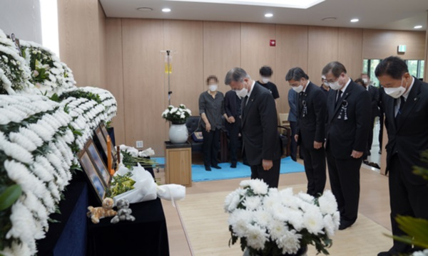 Vụ nữ sĩ quan Hàn Quốc tự tử: Gia đình tiết lộ số kẻ cưỡng bức trong doanh trại, clip hình ảnh của nạn nhân từng bị đồng đội tung lên mạng-4