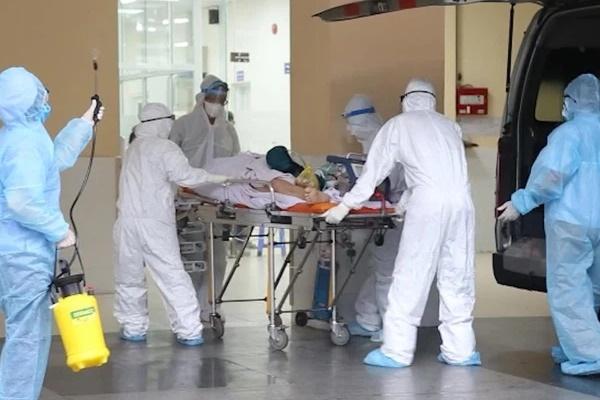 Hành trình đặt ECMO và chuyển chiến sĩ công an mắc COVID-19 về Bệnh viện Chợ Rẫy-1