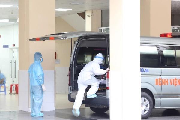 Hành trình đặt ECMO và chuyển chiến sĩ công an mắc COVID-19 về Bệnh viện Chợ Rẫy-8