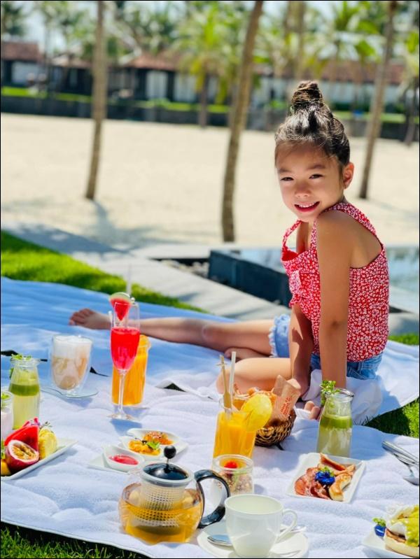 Ái nữ nhà ca sĩ Đoan Trang mới 7 tuổi đã ra dáng thiếu nữ lắm rồi, gen điệu đà còn trội hơn cả mẹ-5