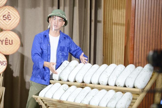 Xuân Bắc livestream chốt đơn 85 tấn vải, mận, bí, thơm... trong 1 giờ-2