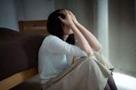 Đang mang bầu thì chồng đòi ly hôn, trong cơn tức giận tôi lấy ngay người đàn ông hơn mình nhiều tuổi để rồi nửa năm sau lái xe sang đến nhà chồng cũ nhận về bao tủi nhục mà rơi nước mắt
