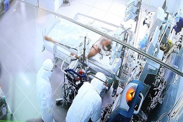 TP.HCM: Bệnh nhân mắc Covid-19 tự mua thuốc điều trị ho sốt, diễn tiến nặng và tử vong trên đường chuyển viện-1
