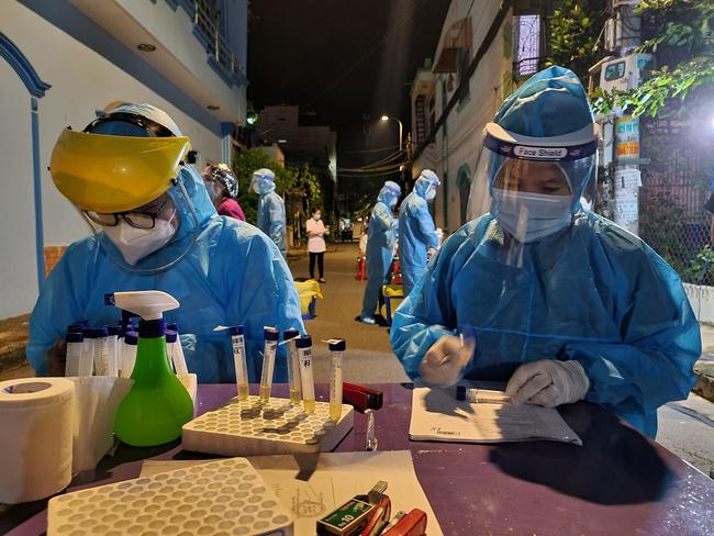 NÓNG: TP.HCM có chuỗi lây nhiễm mới, liên quan bệnh nhân tại chung cư Ehome 3 quận Bình Tân-2