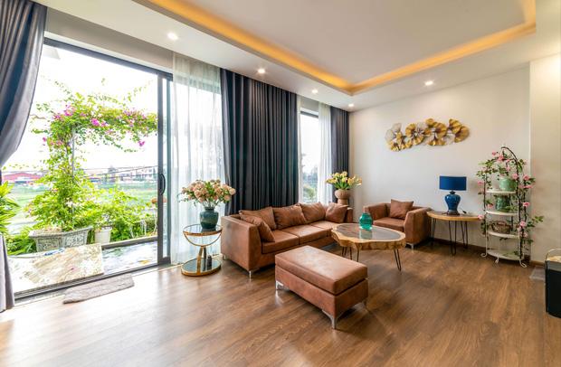Căn nhà 5 tầng của vợ chồng Bát Tràng, thiết kế 3 ban công xanh nhưng vẫn đầu tư hẳn 400 triệu cho sân thượng 160m2-3