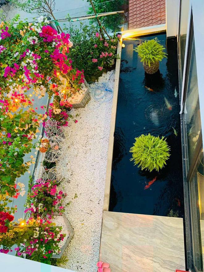 Căn nhà 5 tầng của vợ chồng Bát Tràng, thiết kế 3 ban công xanh nhưng vẫn đầu tư hẳn 400 triệu cho sân thượng 160m2-9