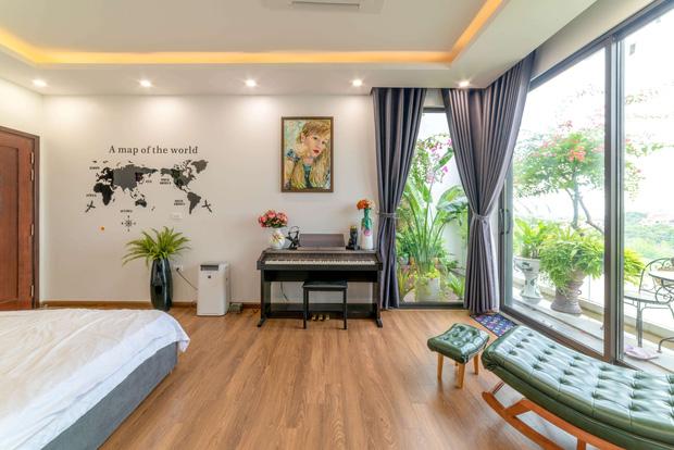 Căn nhà 5 tầng của vợ chồng Bát Tràng, thiết kế 3 ban công xanh nhưng vẫn đầu tư hẳn 400 triệu cho sân thượng 160m2-19
