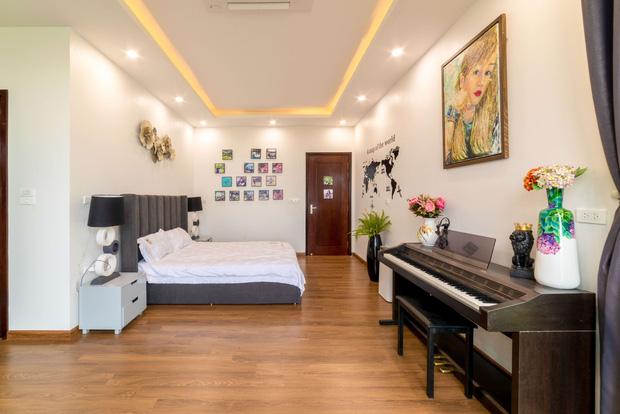 Căn nhà 5 tầng của vợ chồng Bát Tràng, thiết kế 3 ban công xanh nhưng vẫn đầu tư hẳn 400 triệu cho sân thượng 160m2-20