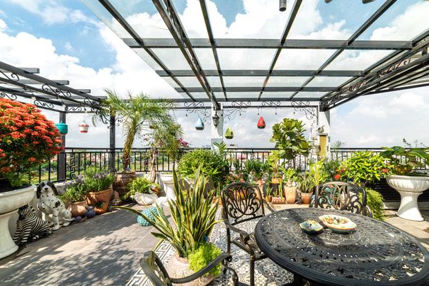 Căn nhà 5 tầng của vợ chồng Bát Tràng, thiết kế 3 ban công xanh nhưng vẫn đầu tư hẳn 400 triệu cho sân thượng 160m2-28