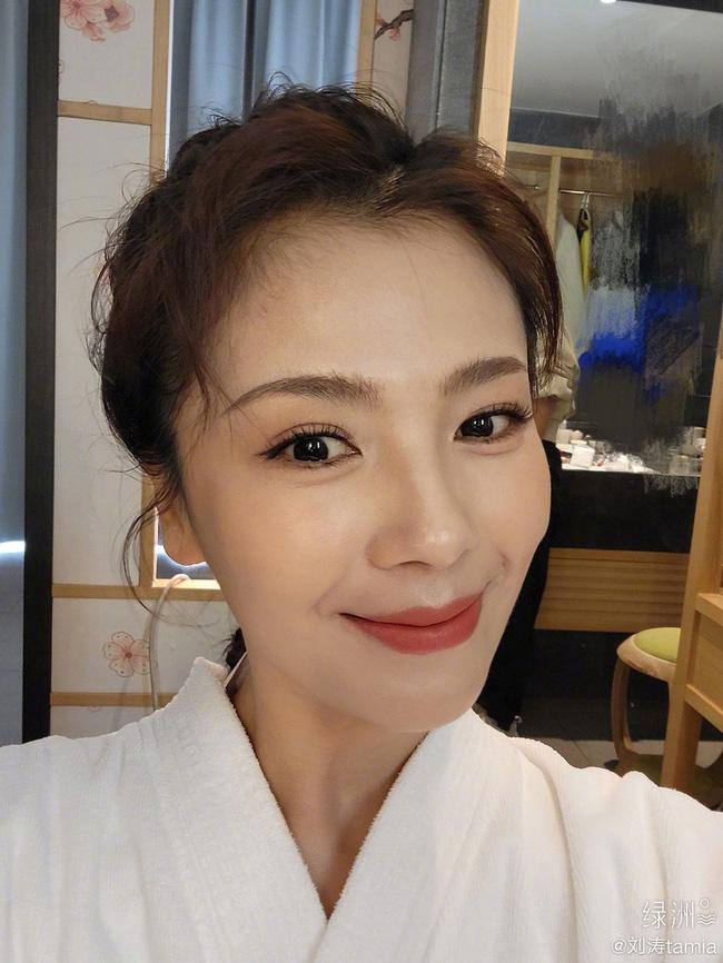 Mánh trẻ lâu của 3 sao Hoa ngữ tuổi 41: Tần Lam thoa kem dày, Lưu Đào dùng sữa chua để làm đầy nếp nhăn-4