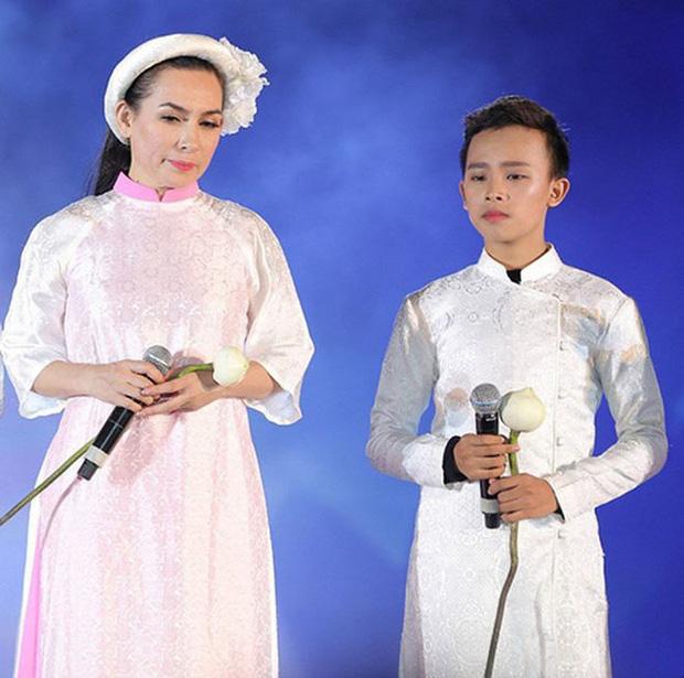MXH rầm rộ clip con gái nuôi nói với Phi Nhung: Mẹ bắt anh Cường đi hát với mẹ, mẹ có trả tiền đâu-4