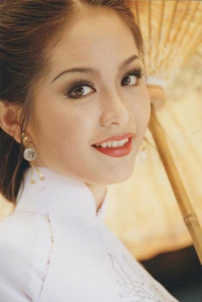 Việt Nam có một hoa hậu hai lần đăng quang, không chỉ xinh đẹp mà học vấn rất đỉnh, nhan sắc sau 25 năm vẫn gây thương nhớ-2