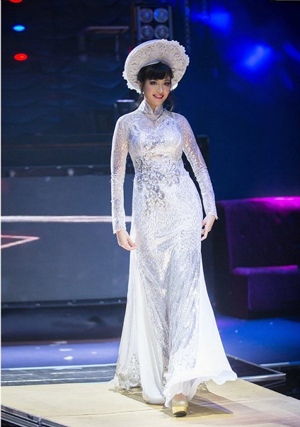 Việt Nam có một hoa hậu hai lần đăng quang, không chỉ xinh đẹp mà học vấn rất đỉnh, nhan sắc sau 25 năm vẫn gây thương nhớ-4