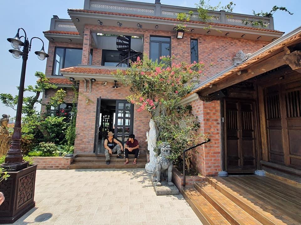 Nhà cổ nằm trên nóc biệt thự gần 500m2 ở Hà Nội-3