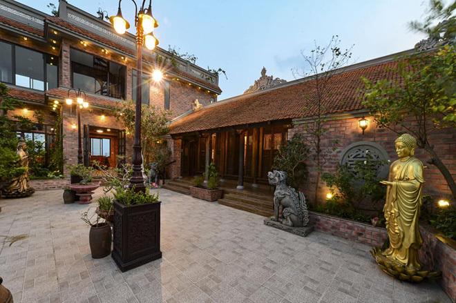 Nhà cổ nằm trên nóc biệt thự gần 500m2 ở Hà Nội-11