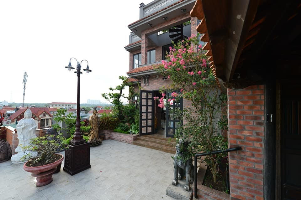 Nhà cổ nằm trên nóc biệt thự gần 500m2 ở Hà Nội-15