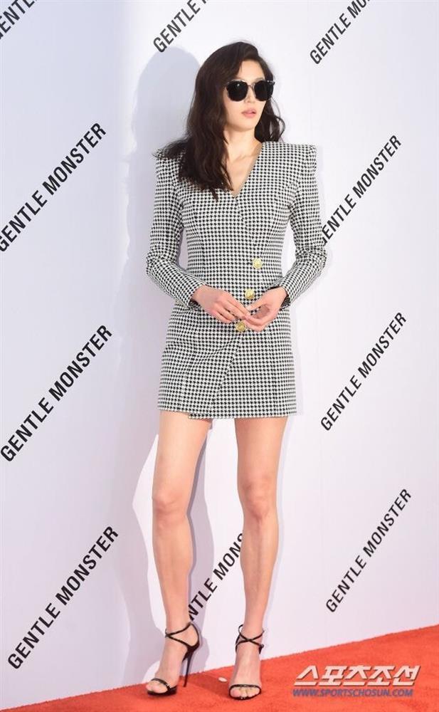 Body đẹp nhất xứ Kim chi, bảo sao 10 mỹ nhân này có lên đồ đơn giản cũng sexy hết nấc-7
