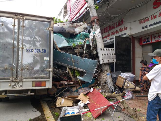 Tài xế container đánh lái cứu 2 người, tông vào nhiều nhà dân xin dừng nhận tiền hỗ trợ-5
