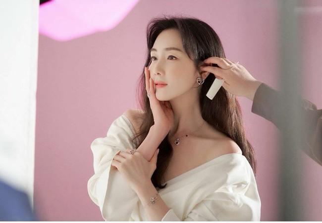 Người đẹp khóc Choi Ji Woo: Từng có giai đoạn mặt sưng phù cứng đơ vì tiêm Botox-1