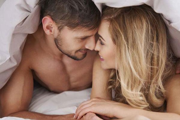 """Trước khi vào cuộc yêu"""", cô vợ đều làm một chuyện quá đáng với chồng nhưng lại giúp thổi bùng thăng hoa cực đỉnh-1"""