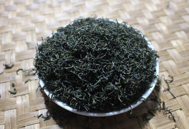 Trà ướp sen chát trước ngọt sau giá 10 triệu đồng/kg-2