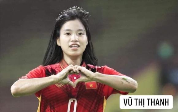 Dân mạng cười xỉu với loạt ảnh các cầu thủ đội tuyển bóng đá Việt Nam được chế ảnh thành con gái-10
