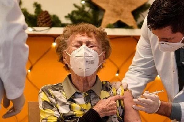 Nhật Bản ghi nhận 196 người tử vong sau khi tiêm vắc xin Covid-19-1