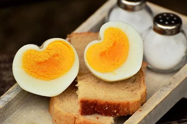 8 loại thực phẩm không nên hâm nóng bằng lò vi sóng vì gây hại cho sức khỏe và làm tăng nguy cơ ung thư-2