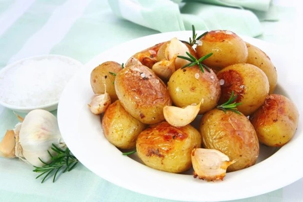 8 loại thực phẩm không nên hâm nóng bằng lò vi sóng vì gây hại cho sức khỏe và làm tăng nguy cơ ung thư-5