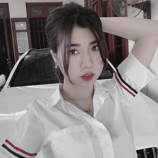 Em gái cầu thủ Văn Toàn ngày càng xinh đẹp, tiết lộ điều đặc biệt về anh trai-3
