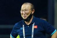 Biểu cảm hài hước của HLV Park Hang-seo khi tuyển Việt Nam bị thủng lưới