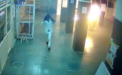 Bệnh nhân bị thiêu sống trong bệnh viện ở Ấn Độ-1