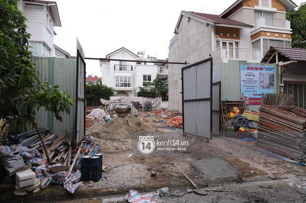 Trực tiếp thăm biệt thự của Thuỷ Tiên giữa ồn ào: Đã đập đi hoàn toàn để xây mới, công trình che kín, thông tin chủ đầu tư gây chú ý-5