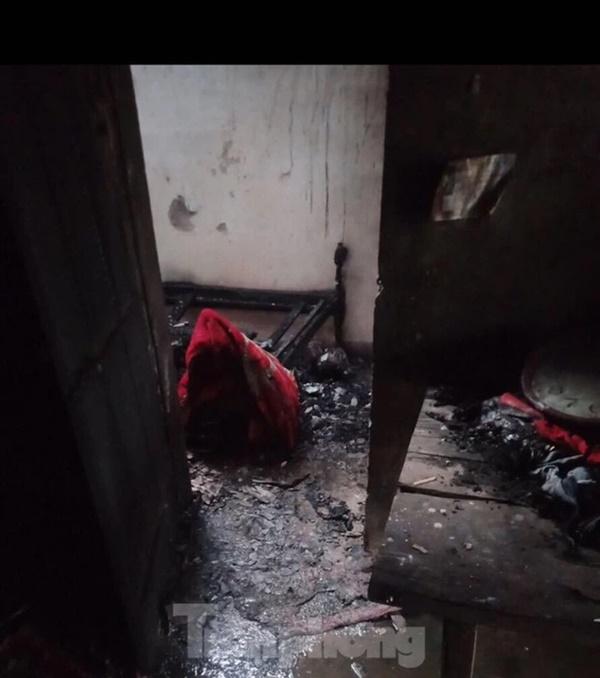 Nghịch lửa, bé trai 8 tuổi gây cháy nhà, chết thảm-1
