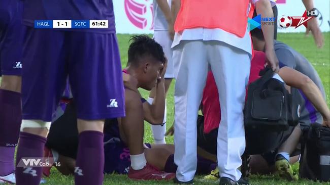 Sự cố Eriksen: Nước mắt Euro gợi nhớ ký ức kinh hoàng về những lần cầu thủ Việt suýt nuốt lưỡi, chạm cửa tử ngay trên sân cỏ V-League-2