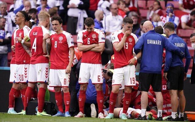 Công nương Đan Mạch bật khóc trên khán đài khi chứng kiến Eriksen đột quỵ và có lời chia sẻ xúc động lan tỏa khắp MXH-4
