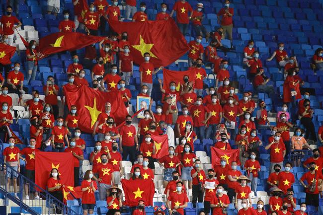 Bức xúc chủ nhà ôm vé đã được giải tỏa, CĐV Việt Nam sẽ tiếp tục đồng hành cùng đội tuyển trong trận chung kết của bảng G vòng loại World Cup 2022-1