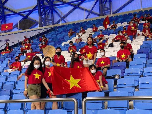 Bức xúc chủ nhà ôm vé đã được giải tỏa, CĐV Việt Nam sẽ tiếp tục đồng hành cùng đội tuyển trong trận chung kết của bảng G vòng loại World Cup 2022-2